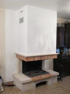 vue de la chemine finie peinte en blanc 13 - Caisson De Decompression Cheminee